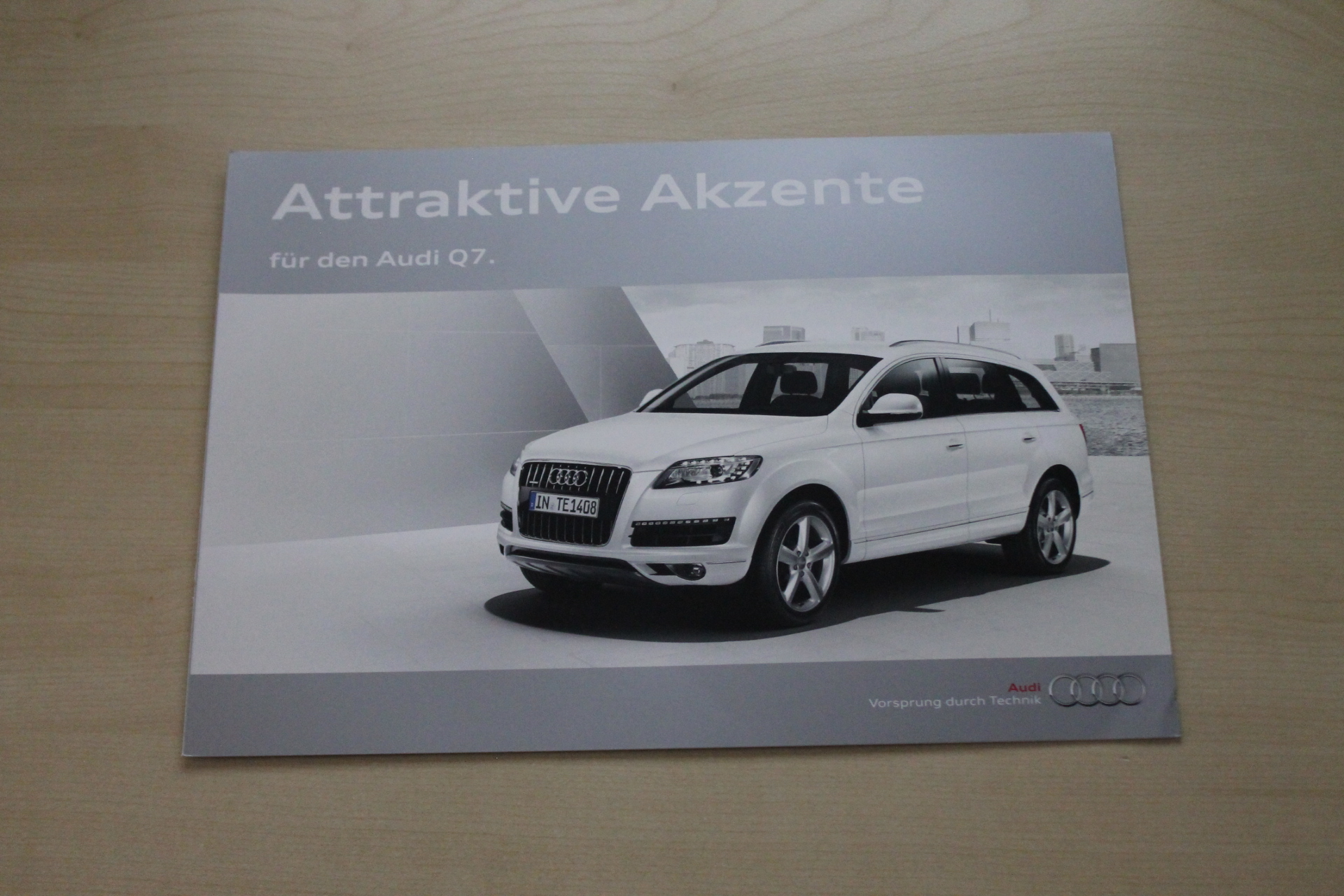 Audi Q7 - Komfortpaket plus - Innovationspaket - Prospekt 05/2012